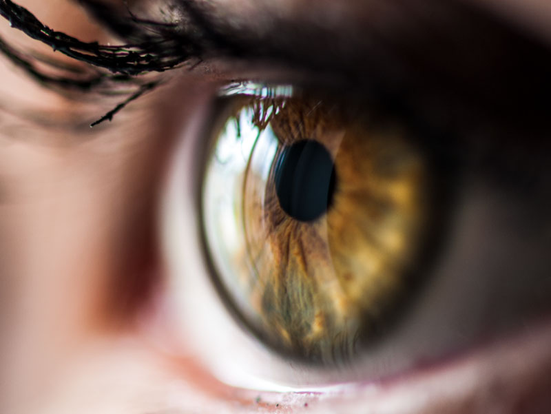 how blood pressure effects eyes