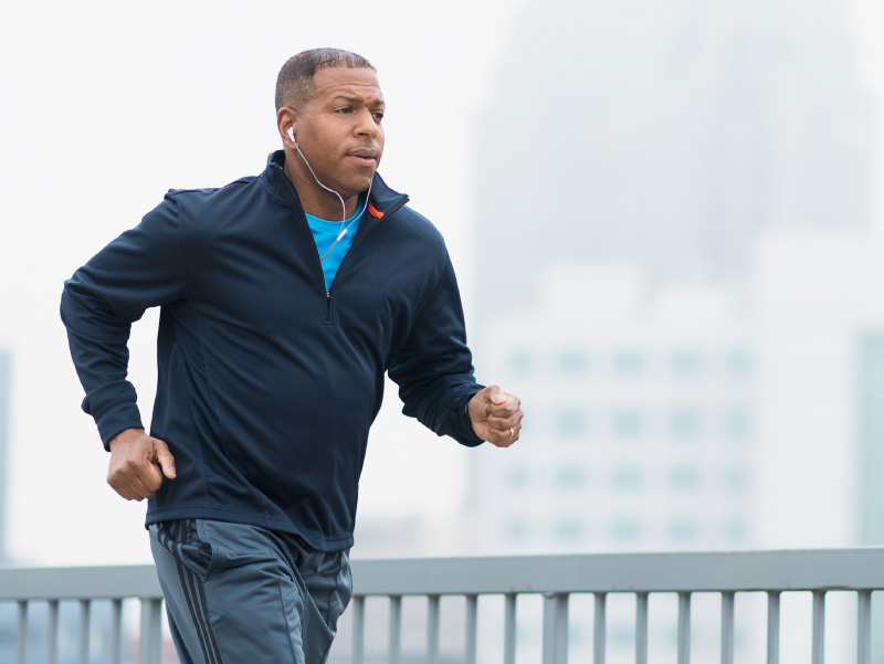 Older man running. (Getty Images)