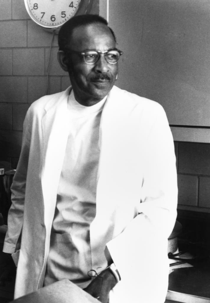 Dr. Vivien Theodore Thomas (From The Alan Mason Chesney Medical Archives of The Johns Hopkins Medical Institutions; photo subject to copyright restrictions)