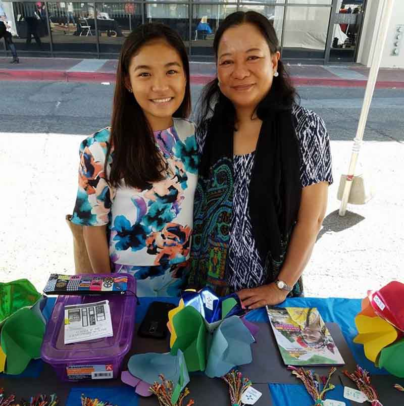 Lady Dorothy Elli with her mom, Fatima, at a 2017 festival in Tucson raising money for the Threads of Hope organization in the Philippines. (Photo courtesy of Lady Dorothy Elli)
