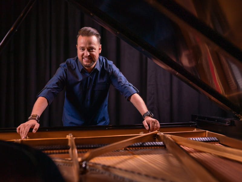 Pianist Paul Cardall was born with a congenital heart defect and he now heals others' hearts through his music. (Photo by Erin Morris Huttlinger)